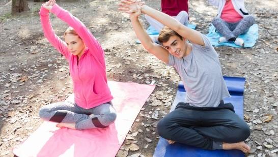 yoga classes for teenagers